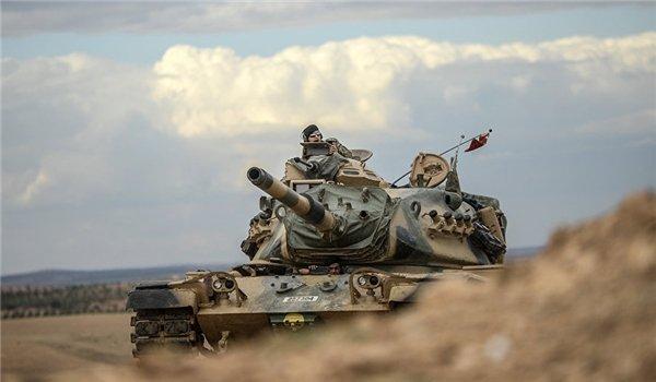 Xe bọc thép Nga hút chết trong vụ nổ lớn ở Syria - Lộ lý do S-400 bất lực trước tên lửa siêu vượt âm - Ảnh 1.