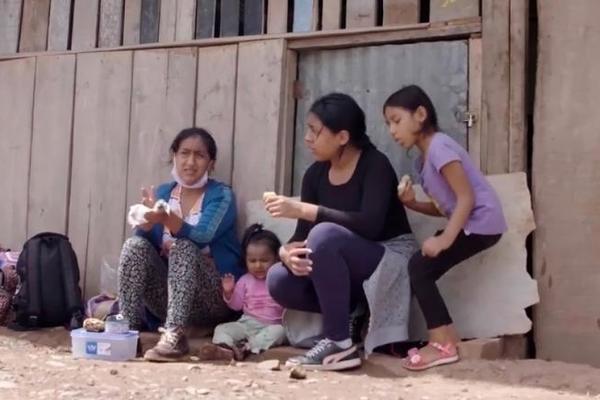 Hành trình chạy trốn Covid-19 đầy khó nhọc của người phụ nữ Peru - Ảnh 2.