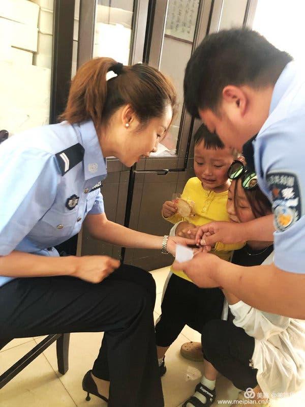 Trung Quốc đang thu thập mẫu máu của người dân để làm điều mà chưa quốc gia nào dám thực hiện - Ảnh 3.