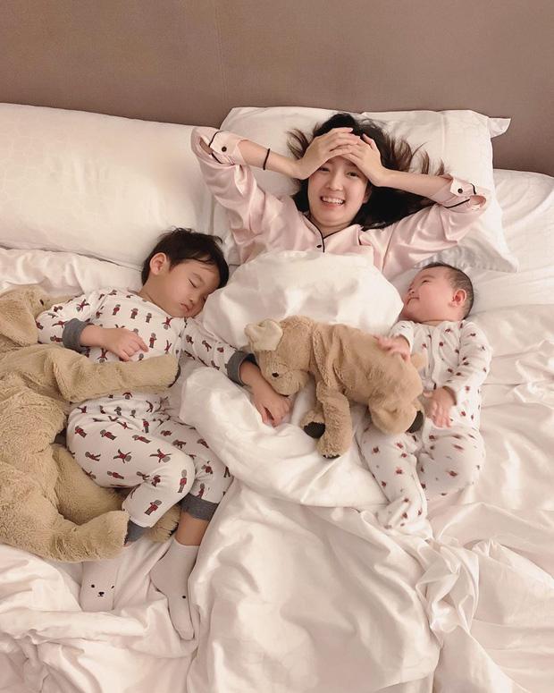 Pam Pam - hot girl Thái đình đám 1 thời giờ đã là mẹ bỉm 2 con, gia đình hạnh phúc viên mãn đáng ngưỡng mộ - Ảnh 10.