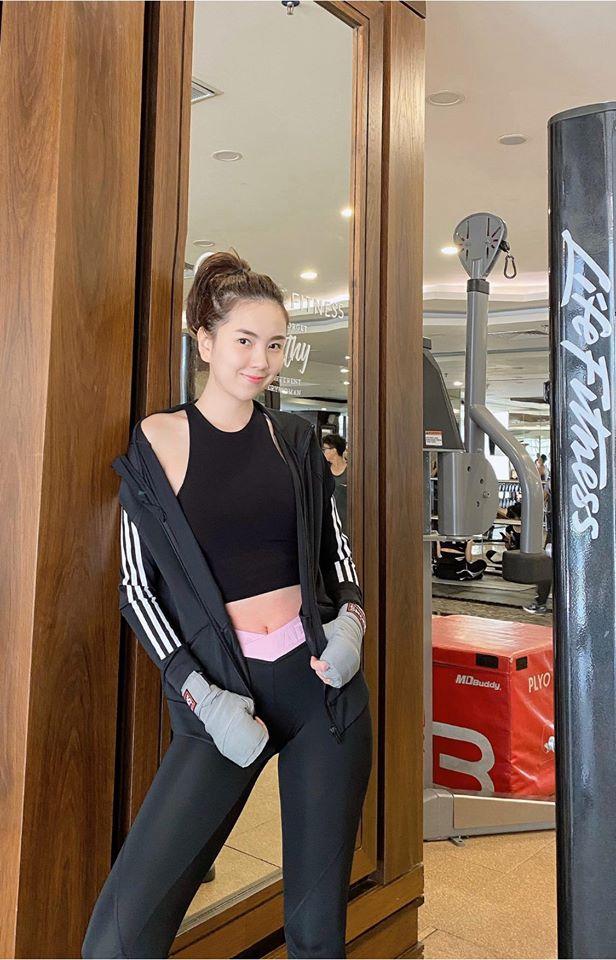 Lần hiếm hoi MC Mai Ngọc khoe đường cong với bikini - Ảnh 9.