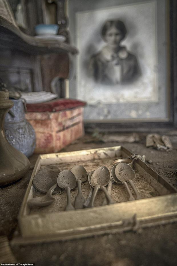 Ghé thăm ngôi nhà của ký ức từ hơn 200 năm trước vẫn còn nguyên vẹn: Đồng hồ đã ngưng điểm, hàng trăm bức thư tình vẫn còn trong ngăn kéo - Ảnh 11.
