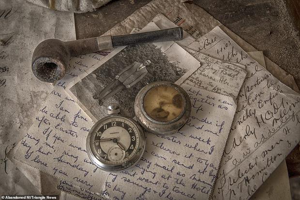 Ghé thăm ngôi nhà của ký ức từ hơn 200 năm trước vẫn còn nguyên vẹn: Đồng hồ đã ngưng điểm, hàng trăm bức thư tình vẫn còn trong ngăn kéo - Ảnh 15.