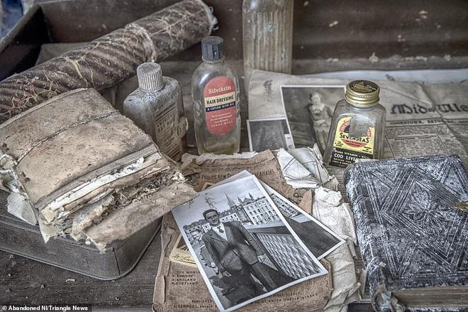 Ghé thăm ngôi nhà của ký ức từ hơn 200 năm trước vẫn còn nguyên vẹn: Đồng hồ đã ngưng điểm, hàng trăm bức thư tình vẫn còn trong ngăn kéo - Ảnh 3.