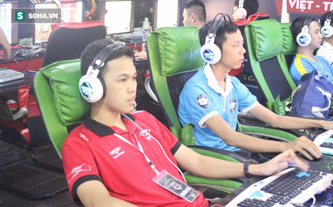Chim Sẻ Đi Nắng bất ngờ bị loại từ vòng bảng, Thần đồng Việt khóc vì trận thua nghẹt thở - Ảnh 1.
