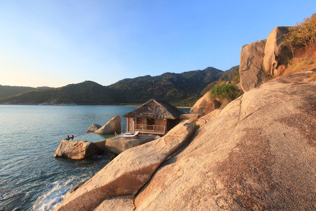 Top 3 resort đắt đỏ bậc nhất Việt Nam: Tiền phòng 1 đêm bằng lương người khác 'cày cuốc' cả tháng - Ảnh 1.