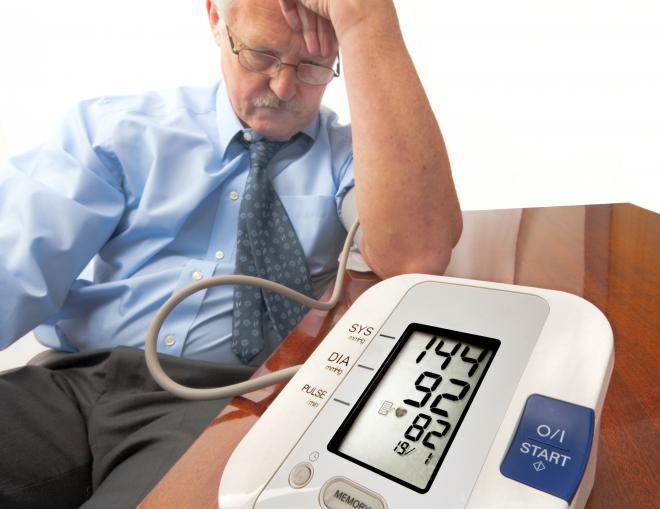 Người bị huyết áp chú ý: Muốn tránh bị xuất huyết não, có 3 thứ cần kiểm soát đầu vào - Ảnh 1.