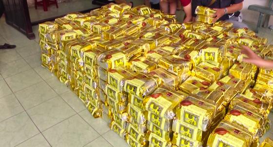 Hai người nước ngoài vận chuyển hơn 1 tấn ma tuý trên đường phố Sài Gòn - Ảnh 3.
