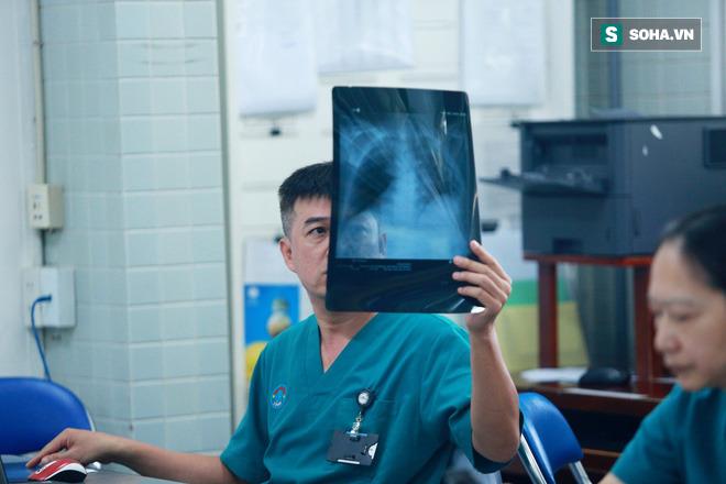 Đến giờ bố mẹ vẫn chưa biết tôi vừa tham gia điều trị thành công cho ca Covid-19 nặng nhất Việt Nam - Ảnh 6.