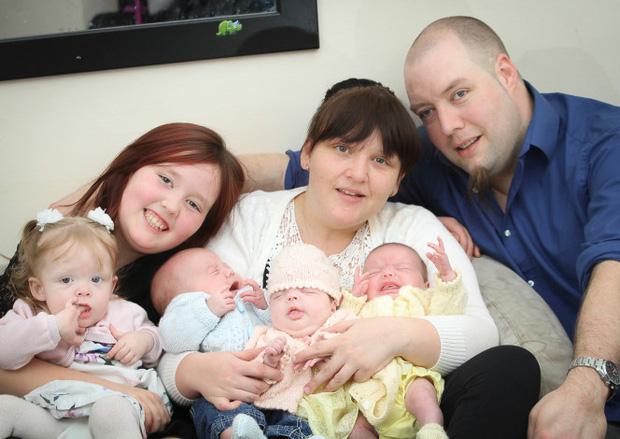 Hy hữu: Bà mẹ sinh liền 4 đứa con chỉ trong vòng 11 tháng - Ảnh 4.