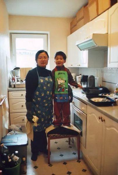 Bộ ảnh lồng ghép ấn tượng của bà mẹ đơn thân Đài Loan: Dành 17 năm ghi lại hành trình trưởng thành cùng con trai động lòng người - Ảnh 15.