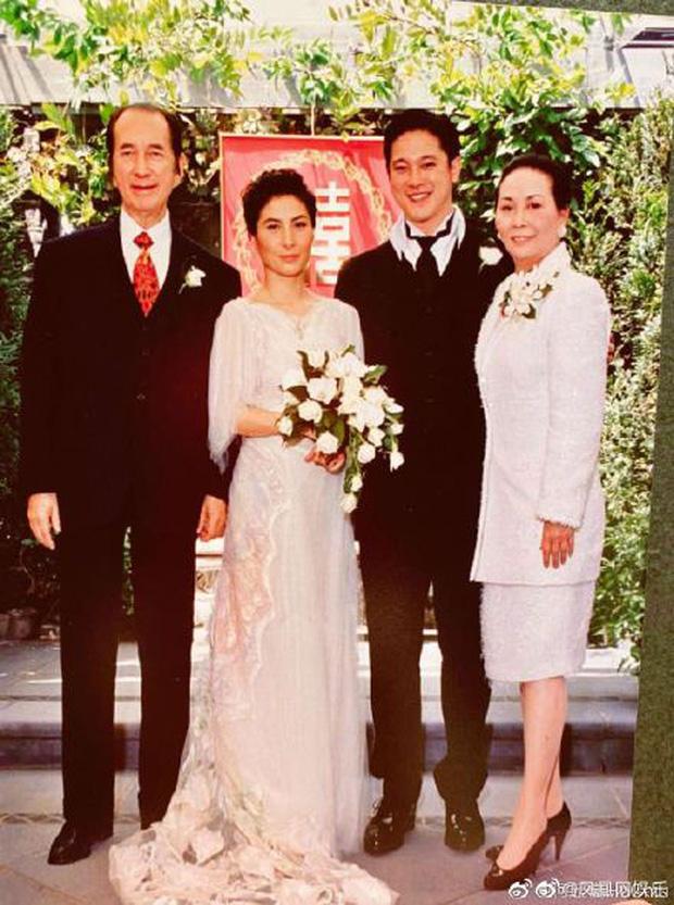 Gia tộc Vua sòng bài Macau trong Ngày của Cha: Hầu hết đều im lặng, chỉ có 2 tiểu thư đăng ảnh nhớ thương người cha quá cố - Ảnh 4.