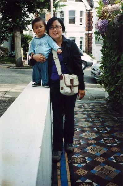 Bộ ảnh lồng ghép ấn tượng của bà mẹ đơn thân Đài Loan: Dành 17 năm ghi lại hành trình trưởng thành cùng con trai động lòng người - Ảnh 18.