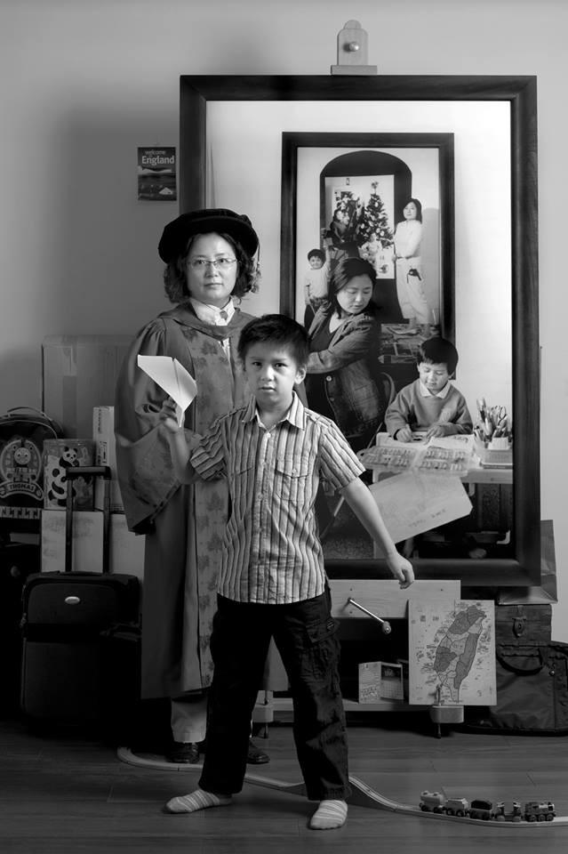 Bộ ảnh lồng ghép ấn tượng của bà mẹ đơn thân Đài Loan: Dành 17 năm ghi lại hành trình trưởng thành cùng con trai động lòng người - Ảnh 9.