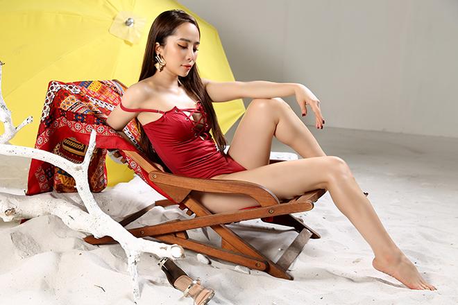 Loạt ảnh bikini gợi cảm của Quỳnh Nga - Ảnh 6.