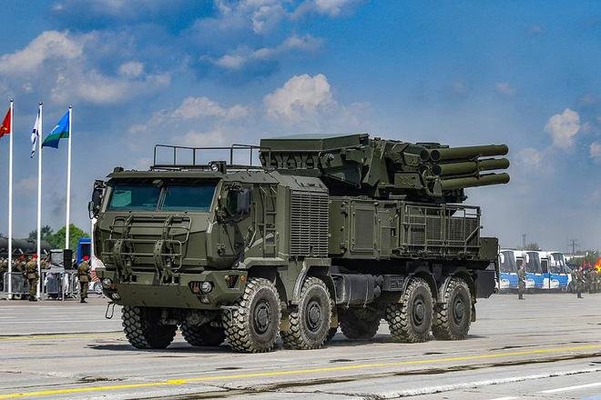 Tên lửa PK Nga dồn dập khai hỏa đánh bật đòn tấn công ồ ạt nhằm thẳng vào căn cứ đầu não Hmeimim ở Syria - Ảnh 2.