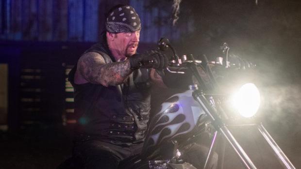 Huyền thoại Undertaker tuyên bố giải nghệ, khép lại 30 năm huy hoàng tại WWE - Ảnh 2.