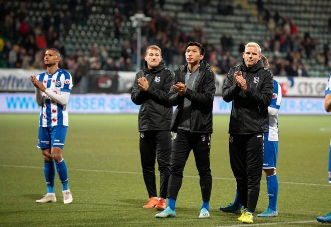 Văn Hậu gặp khó tại Heerenveen, thần đồng Thái Lan có cơ hội thành đồng môn của Ronaldo - Ảnh 1.