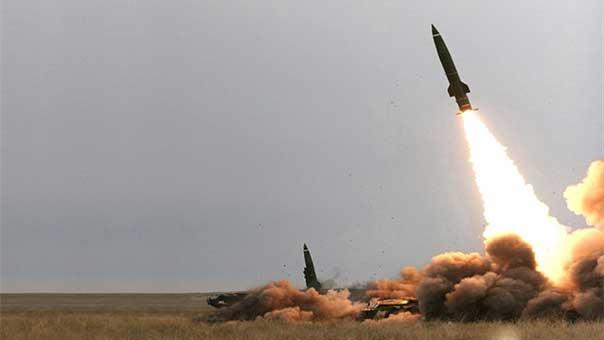Tên lửa PK Nga dồn dập khai hỏa đánh bật đòn tấn công ồ ạt nhằm thẳng vào căn cứ đầu não Hmeimim ở Syria - Ảnh 1.