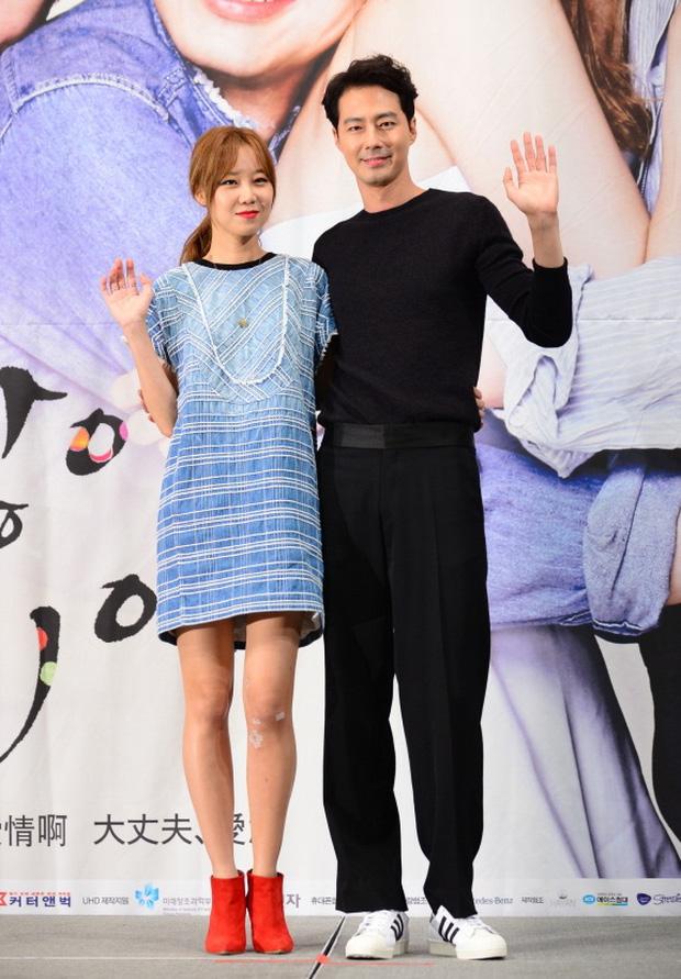 5 cặp màn ảnh tình như hẹn hò thật: Hyun Bin - Son Ye Jin, Park Shin Hye lộ bằng chứng, couple Thư ký Kim gây sốc vì quá gắt - Ảnh 20.