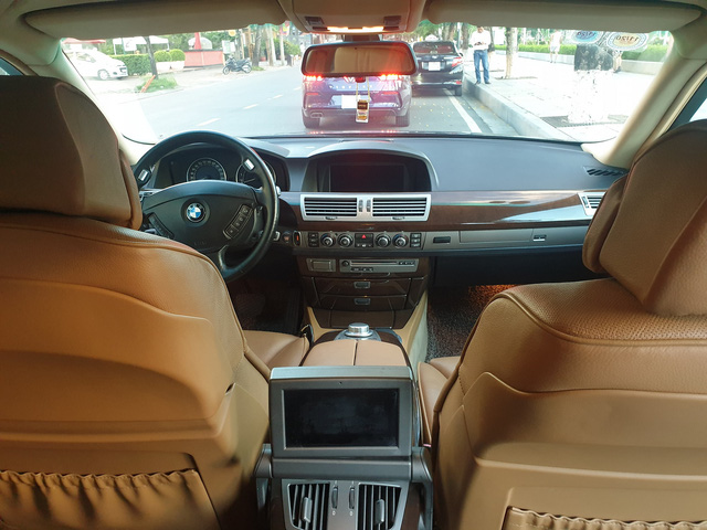 Khấu hao như BMW 750 Li 2007: Sau 13 năm giá xe rẻ hơn tiền đóng phí trước bạ khi mua mới - Ảnh 3.
