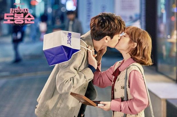 5 cặp màn ảnh tình như hẹn hò thật: Hyun Bin - Son Ye Jin, Park Shin Hye lộ bằng chứng, couple Thư ký Kim gây sốc vì quá gắt - Ảnh 21.