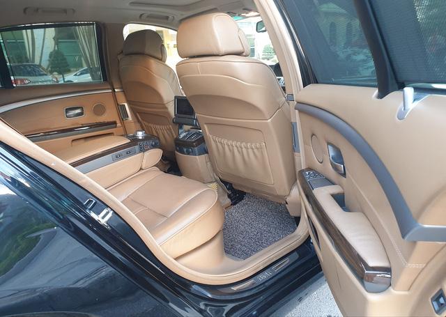 Khấu hao như BMW 750 Li 2007: Sau 13 năm giá xe rẻ hơn tiền đóng phí trước bạ khi mua mới - Ảnh 4.