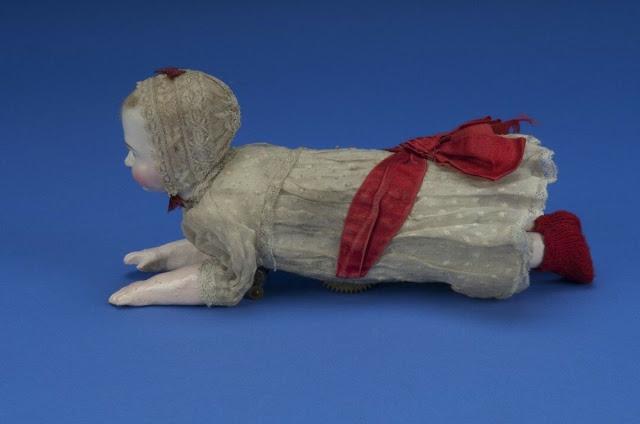 Búp bê của hơn 100 năm về trước: Ai mà ngờ món đồ chơi đáng yêu dành cho trẻ em từng có hình dạng kinh dị gây mất ngủ - Ảnh 6.