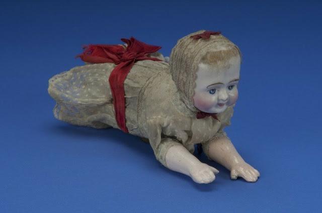 Búp bê của hơn 100 năm về trước: Ai mà ngờ món đồ chơi đáng yêu dành cho trẻ em từng có hình dạng kinh dị gây mất ngủ - Ảnh 7.