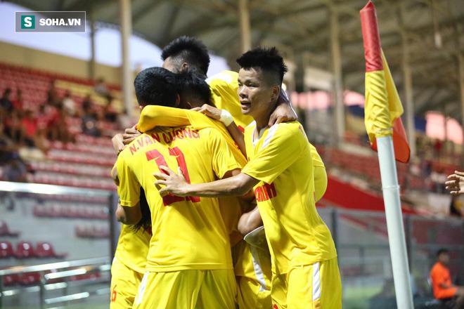 Đàn em Công Phượng muốn đánh bại dàn sao U19 Việt Nam của SLNA - Ảnh 1.
