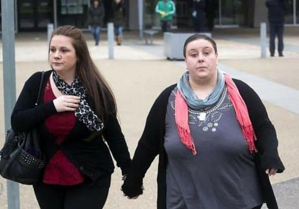 Bé trai 2 tuổi qua đời sau khi bị mẹ và nhân tình bạo hành, nhốt trong phòng với chuột, bằng chứng tra tấn đứa trẻ gây phẫn nộ - Ảnh 7.