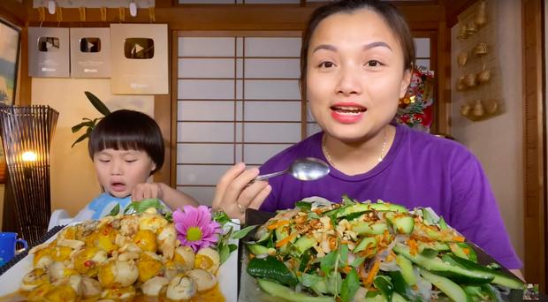 Vừa bị người xem phàn nàn về các thay đổi lạ trong vlog, Quỳnh Trần JP lập tức có động thái hồi đáp khiến dân tình bất ngờ - Ảnh 8.