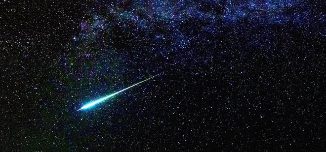 [Việt Sub] Điều gì sẽ xảy ra với Trái Đất nếu sao chổi tử thần Halley lao thẳng vào Mặt Trăng? - Ảnh 1.