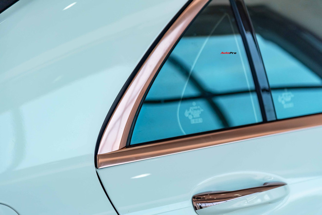 Độ cực độc, Mercedes-Benz S 450 Luxury phiên bản vàng hồng vẫn có giá bán lại rẻ hơn cả tỷ đồng dù mới chạy 12.000km - Ảnh 6.