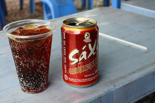 Sự lột xác của loại nước giải khát 50 năm tuổi vang bóng một thời Việt Nam - cuộc đấu lại Coca Cola và Pepsi? - Ảnh 1.
