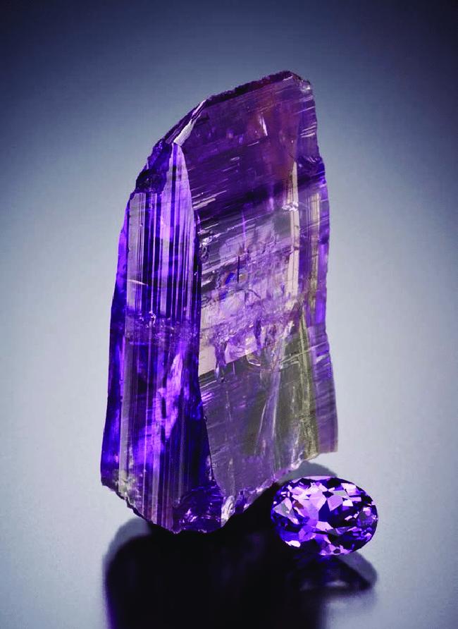 Thợ mỏ đổi đời nhờ 2 tảng đá quý trị giá 77 tỷ đồng - Ảnh 2.