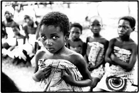 Trokosi: Thứ hủ tục ám ảnh phá nát đời của những bé gái bị ép làm nô lệ tình dục, lao động khổ sai suốt kiếp để trả nợ cho cha - Ảnh 1.