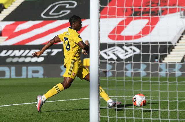 Southampton 0-2 Arsenal: Pháo thủ giành chiến thắng quan trọng (Vòng 31 Ngoại hạng Anh) - Ảnh 3.