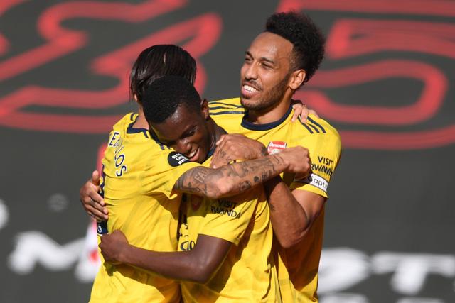 Southampton 0-2 Arsenal: Pháo thủ giành chiến thắng quan trọng (Vòng 31 Ngoại hạng Anh) - Ảnh 4.