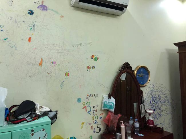 Cho con thoải mái vẽ tranh trừu tượng lên tường, bố mẹ giờ đây chỉ biết khóc thét, lên mạng tìm người cùng cảnh ngộ - Ảnh 7.