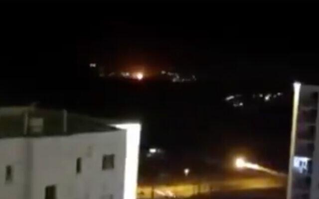 NÓNG: Nổ rất lớn ngay ngoài Thủ đô Tehran của Iran - Nghi vấn bị tấn công quân sự? - Ảnh 5.