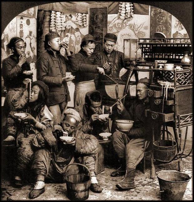Loạt ảnh phản ánh chân thật cuộc sống người Trung Quốc trong giai đoạn biến động từ cuối thời nhà Thanh đến thời Dân Quốc - Ảnh 8.