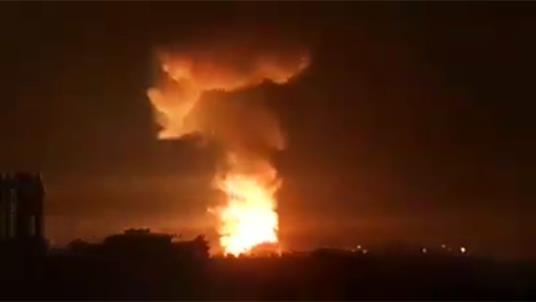 Hé lộ nguyên nhân Saudi truy đuổi và nổ súng vào 3 tàu Iran - Máy bay lạ dồn dập không kích ngay sau khi Tư lệnh Quds bí mật tới Syria - Ảnh 1.