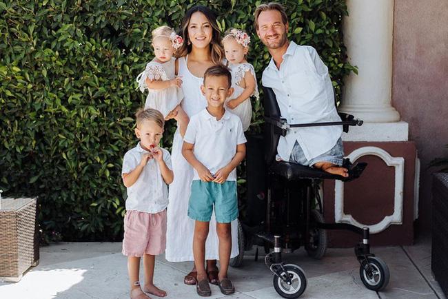 Cuộc sống hiện tại của người không tay không chân Nick Vujicic từng gây bão khi đến Việt Nam khiến ai cũng ngưỡng mộ - Ảnh 5.