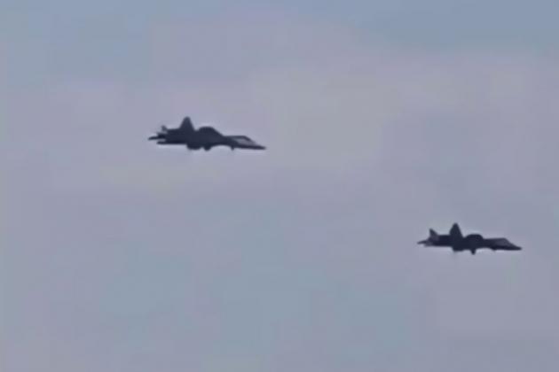 Su-57 Nga bất ngờ tái xuất ở Syria, lãnh sứ mệnh đặc biệt chưa từng thấy - 150.000 tên lửa có thể trút xuống mọi vị trí trên lãnh thổ Israel - Ảnh 2.