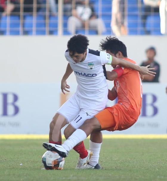 Những cuộc đối đầu thú vị trên sân Thống Nhất ở vòng 7 LS V-League 2020 - Ảnh 2.