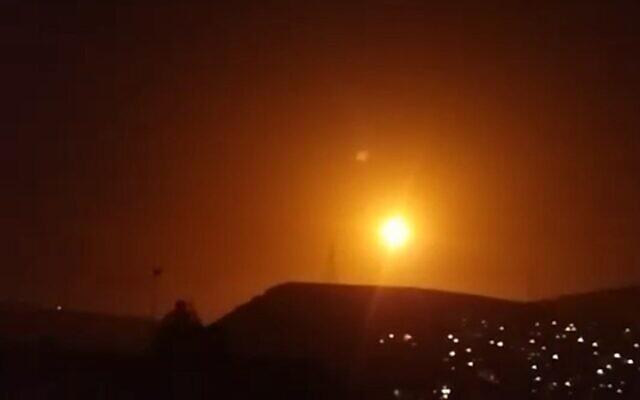 Kẻ thù giấu mặt dồn dập không kích hàng loạt mục tiêu ở Syria, Iran gánh chịu thiệt hại nặng nề - Ảnh 1.