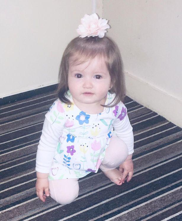 Bà mẹ sốc khi thấy 1 đám tóc đen ở thai nhi tuần 34 nhưng khi sinh con ra càng bất ngờ hơn - Ảnh 3.