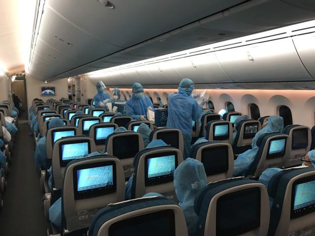 Đề xuất nghiên cứu mở lại đường bay quốc tế cuối tháng 7 - Ảnh 1.