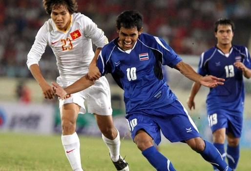 9 tài năng bóng đá Việt chóng nở sớm tàn gây luyến tiếc - Ảnh 2.